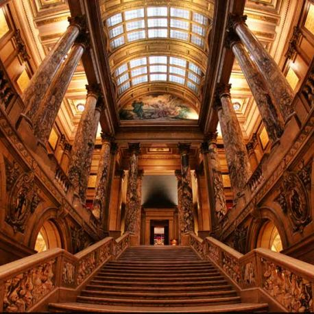The beautiful Minnesota State Capitol offers daily tours.