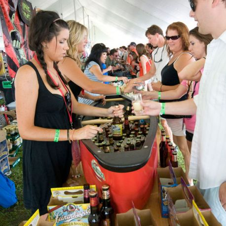 The Beer Dabbler at Highland Fest is Minnesota's outdoor beer festival that takes place in winter and summer three times a year.