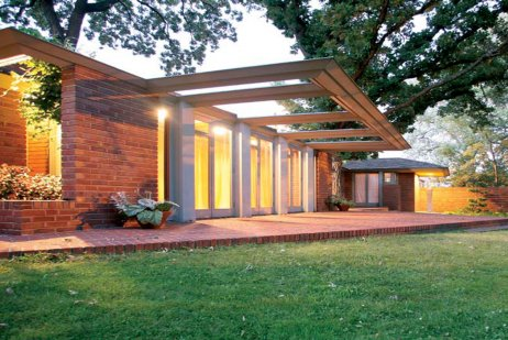 Frank Lloyd Wright House: The Willey House Signature Tour